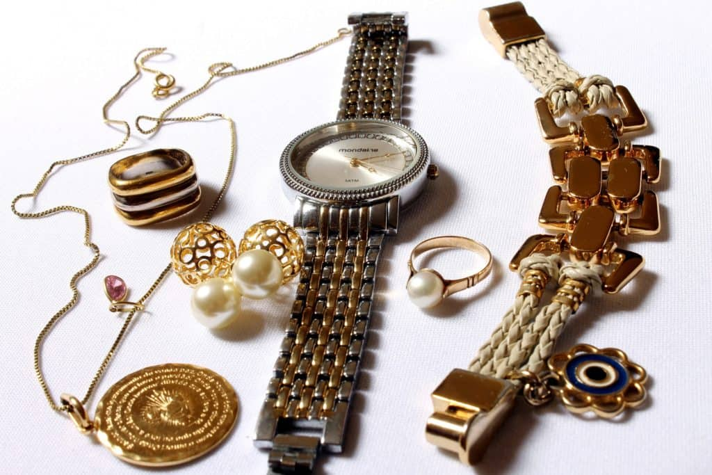 10 Luxury Watches For Women With Fine Style