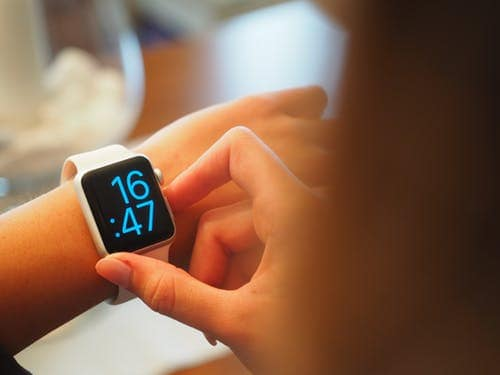 Guide To Find Out The Benefits of a Smartwatch Today